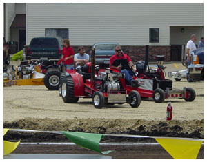 Toy Tractor Times - June 2005 - Farm Toy Show in Dyersville